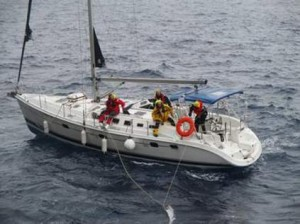 141126 Yacht 'Hunter' - crewmen waiting for rescue
