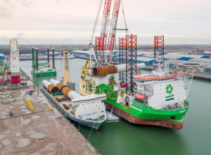 180613 MV Svenja - foundation transshipment for GeoSea