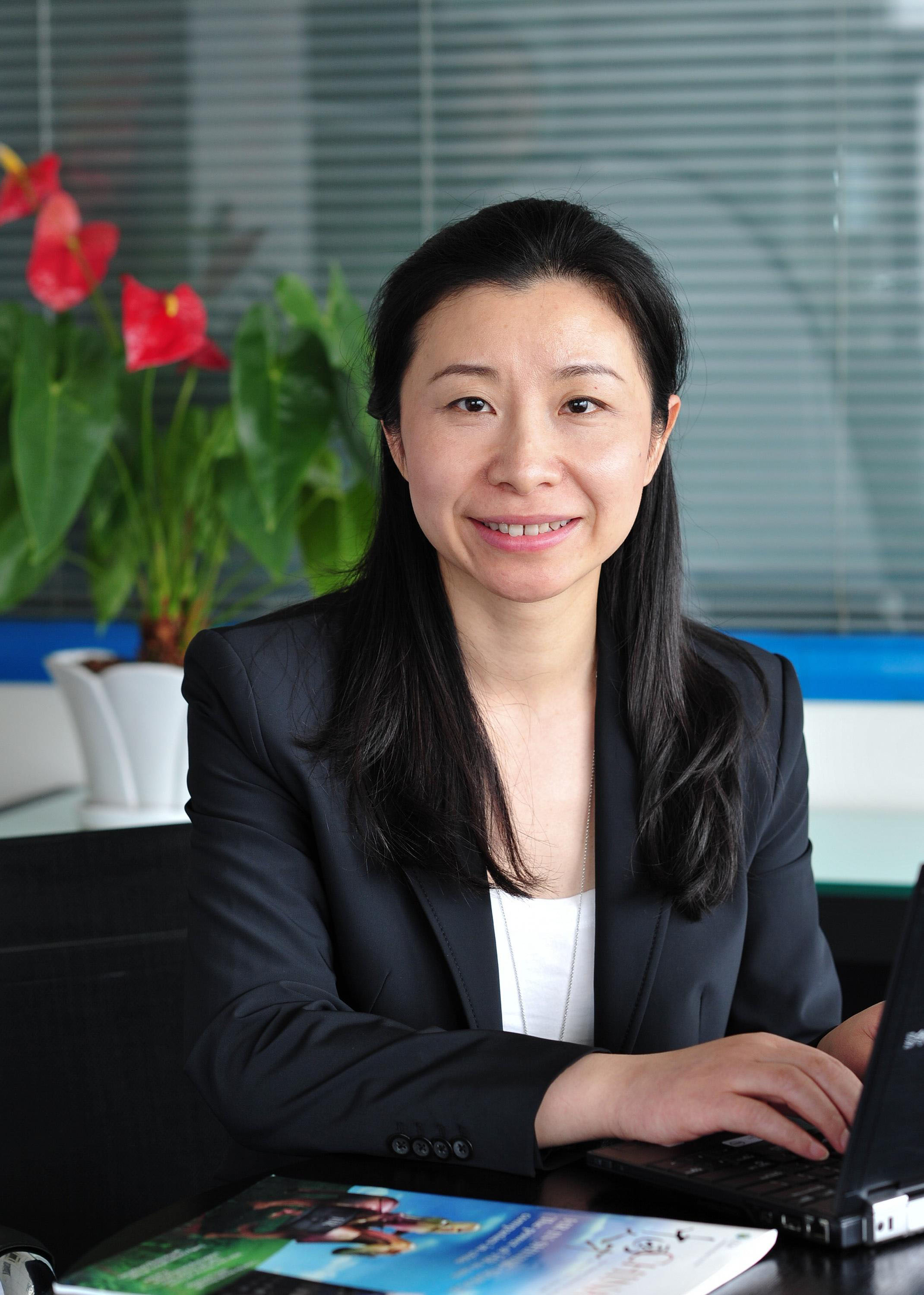 menlo worldwide logistics appoints jane wu human resources director
